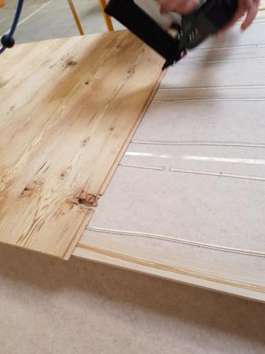 Spezieller Türdeck aus Massivholz